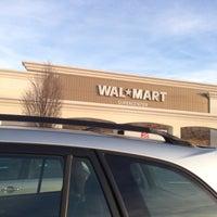Foto scattata a Walmart Supercenter da Bruce B. il 12/6/2012