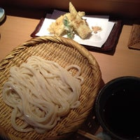 Photo taken at 手打釜揚うどん 鎌倉みよし by Daisuke Y. on 8/31/2013