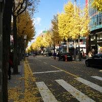 Photo taken at Garosu-gil by Nam L. on 11/17/2012