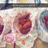 Photo taken at Buffalo's Wings N' Things by Chay D. on 9/28/2016