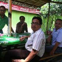 Photo taken at Warung Surabaya by Agung S. on 1/30/2013