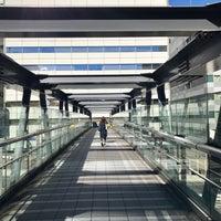 Photo taken at 希望の橋 (ブリッジ渋谷21) セルリアンタワー前歩道橋 by Jean P. on 12/8/2016