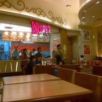 Photo taken at Wendy's by davis r. on 11/28/2012