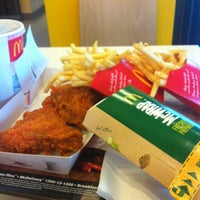 Photo taken at McDonald's / McCafé by Ariff V. on 6/24/2013