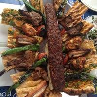 7/5/2013 tarihinde Buğra K.ziyaretçi tarafından Gomşu Restaurant'de çekilen fotoğraf
