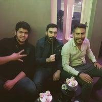 Das Foto wurde bei Club Narjil Bar Lounge von Furkan F. am 10/7/2016 aufgenommen