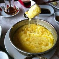 2/17/2013 tarihinde Ozlem K.ziyaretçi tarafından Manzara Restaurant'de çekilen fotoğraf