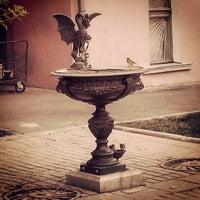 Снимок сделан в Сад им. Баумана пользователем Dmitriy C. 6/23/2013
