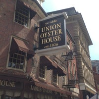 Photo prise au Union Oyster House par Lo N. le4/27/2013