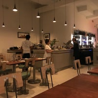 Foto diambil di Una Pizza Napoletana oleh Deb K. pada 6/5/2018