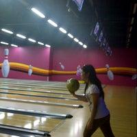3/14/2013 tarihinde Febby F.ziyaretçi tarafından Forum Bowling'de çekilen fotoğraf