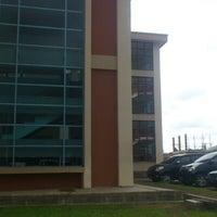 Photo taken at Universitas Bung Hatta kampus II by Diago S. on 2/5/2013
