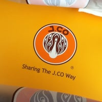 Photo taken at J.CO Donuts & Coffee by Zel D. on 5/18/2013