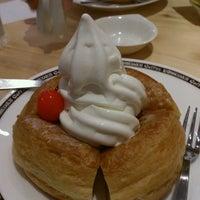Photo taken at Komeda's Coffee by Kyoko Y. on 9/7/2013