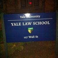 Photo prise au Yale Law School par Kate N. le4/20/2013