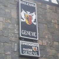 รูปภาพถ่ายที่ Boulevard Geneve โดย Raabe G. เมื่อ 1/1/2013
