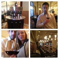 Foto tirada no(a) Union Square Wines & Spirits por Giuliano M. em 5/3/2013