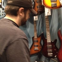 Photo taken at Guitar Center by Elise M. on 9/24/2013