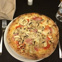 Foto scattata a Pizzeria Corte Farina da Ksenia G. il 9/12/2014