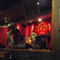 Photo taken at Hard Rock Café by Shreya N. on 9/27/2012
