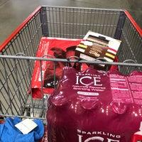 Photo prise au Costco Wholesale par Lindsay B. le4/7/2018