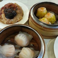 Photo taken at Restoran Tom's Dim Sum by PooiYam W. on 9/16/2013
