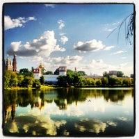 6/23/2013 tarihinde Christineziyaretçi tarafından Novodevichy Park'de çekilen fotoğraf