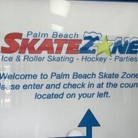 Photo prise au Palm Beach Skate & Ice Zone par Mark B. le1/10/2015