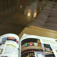 Photo taken at 神戸ファッション美術館ライブラリー by fuuu on 10/8/2012