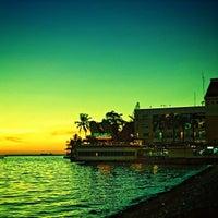 Photo taken at Pantai Losari by Firman N. on 7/25/2013