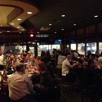 10/19/2012 tarihinde Jan K.ziyaretçi tarafından Sullivan's Steakhouse'de çekilen fotoğraf