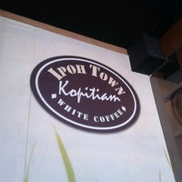 Photo taken at IpohTown Kopitiam by Asyraf A. on 10/26/2012
