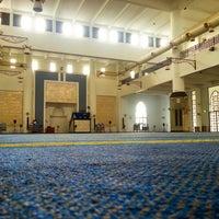 Photo taken at Masjid UNITEN by MYГULʕ•̬͡•ʔ on 2/25/2013