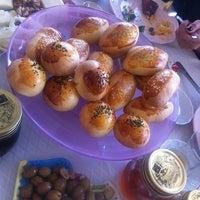 รูปภาพถ่ายที่ DE-Cake Butik Pasta โดย Ege T. เมื่อ 3/10/2013