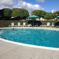 Photo taken at Ala Moana 1350 Swimming Pool by RGR on 8/7/2013