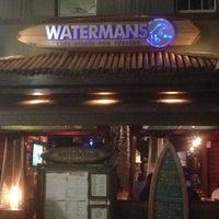 Photo prise au Watermans - A Safe House For Surfers par Vic C. le6/7/2013