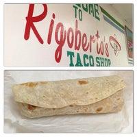 3/9/2013にVic C.がRigoberto's Taco Shopで撮った写真