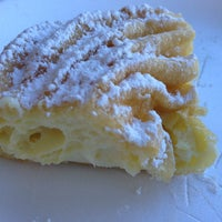 Das Foto wurde bei SanRemo Bakery von Cristina am 3/17/2013 aufgenommen