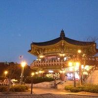 Photo taken at Bukak Palgakjeong by 살찐고양이 미. on 6/9/2013
