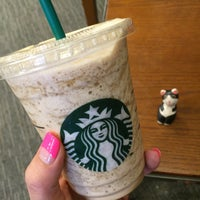 Photo taken at Starbucks by 살찐고양이 미. on 5/28/2016
