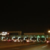 Photo taken at Seoul Toll Gate by 살찐고양이 미. on 2/11/2013