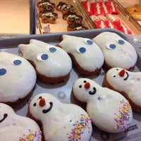 Photo taken at DUNKIN' DONUTS by 살찐고양이 미. on 12/4/2014