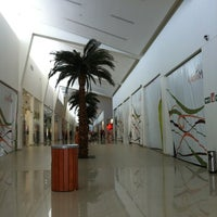 Foto tomada en Galerias Mall por Manolo C. el 9/20/2012