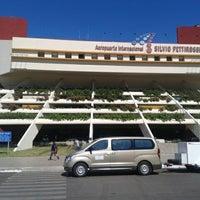 Photo taken at Aeropuerto Internacional Silvio Pettirossi (ASU) by Lui C. on 1/28/2013