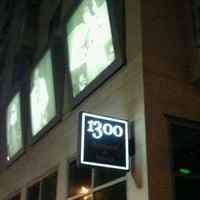 Das Foto wurde bei 1300 on Fillmore von Stella B. am 7/13/2013 aufgenommen