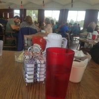 Photo taken at Drifter Motel, Restaurant and Lounge by Diana T. on 9/2/2018
