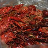 Photo taken at Hot N Juicy Crawfish by Kym T. on 1/21/2013