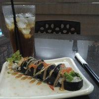 Photo taken at Sushi Donbouri by Siti F. on 11/30/2013