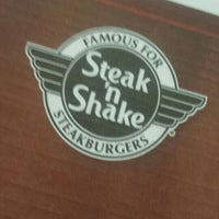 Foto tirada no(a) Steak 'n Shake por Rich L. em 6/17/2015