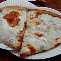 Photo taken at Bari's Pizza & Pasta by Felix C. on 5/29/2014